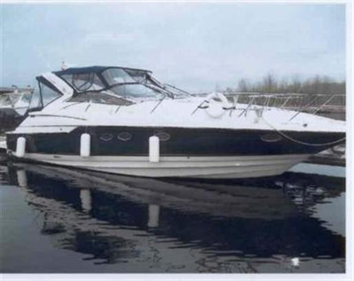 2001 Regal 4160 Commadore... 44ft 6in / 13.41 m. Express Cruiser Boats