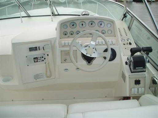 1996 Cruisers Yachts 3175 Rogue M/c $49000.00 CAD