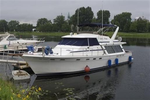 1988 Bayliner 4588