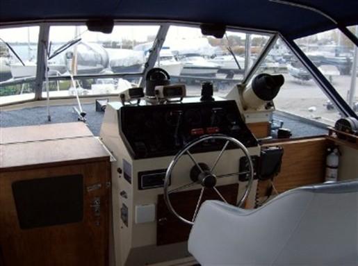 1982 Chris Craft 381 Catalina
