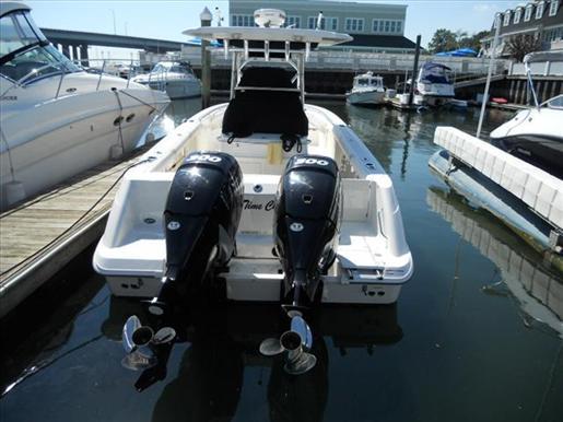 2009 Boston Whaler 32 OUTRAGE
