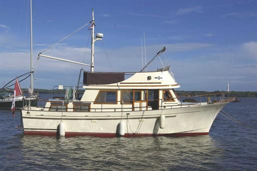 1978 amf paceship yacht 23