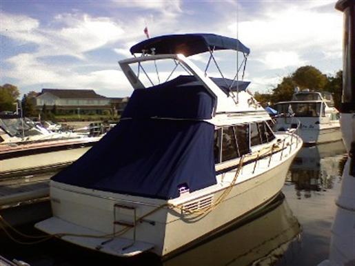 1987 Bayliner 3288 Motor yacht