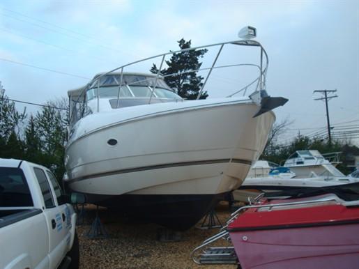 2007 Cruisers Yachts.