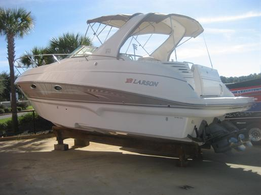 2008 Larson 310 Cabrio 31ft / 9.45 m. Express Cruiser Boats