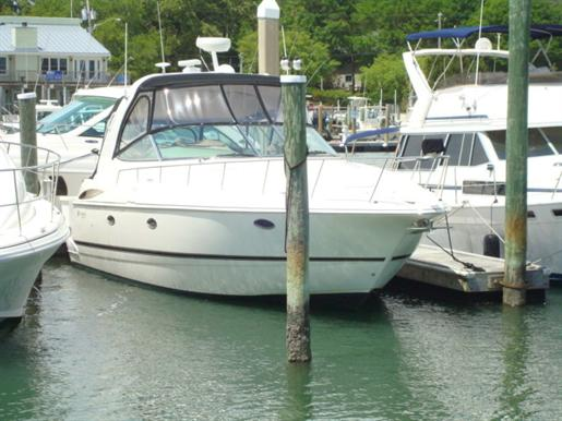2003 Cruisers Yachts 370 EXPRESS