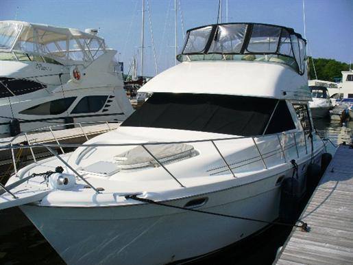 1995 Bayliner 3988 Motor Yacht