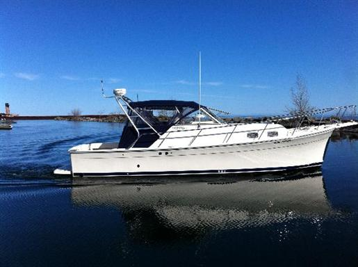 2004 Mainship Pilot 30 Rum Runner II Edition Courtesy www.boatdealers.ca