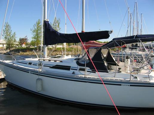 1987 Hunter 31 Sloop