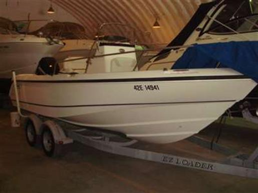 2004 Boston Whaler Inc 210 OUTRAGE