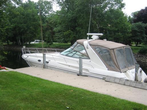 1998 Cruisers Yachts 3870