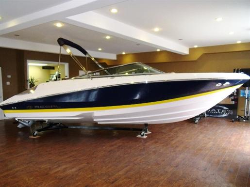 2011 Regal 2200 Bow rider