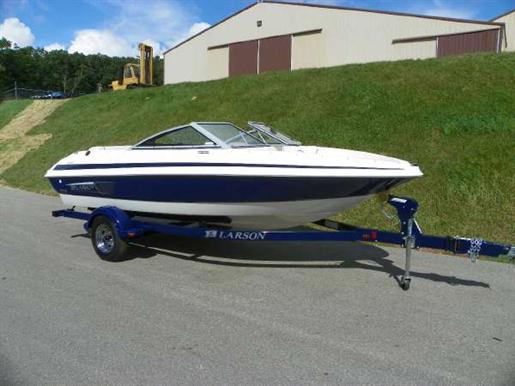 2011 Larson LX 850 I/O