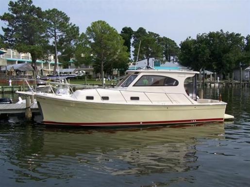 2004 Mainship Pilot II Rum Runner Courtesy www.boatdealers.ca