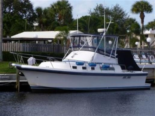 1998 ALBIN 32+2 Command Bridge