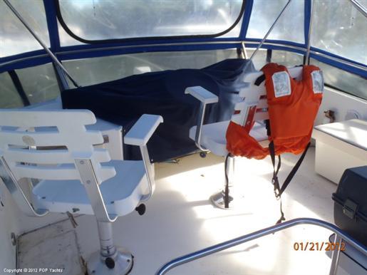 1990 Tollycraft 44 Cockpit Motoryacht