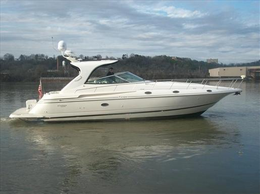 2003 Cruisers Yachts 4270 EXPRESS Courtesy www.boatdealers.ca