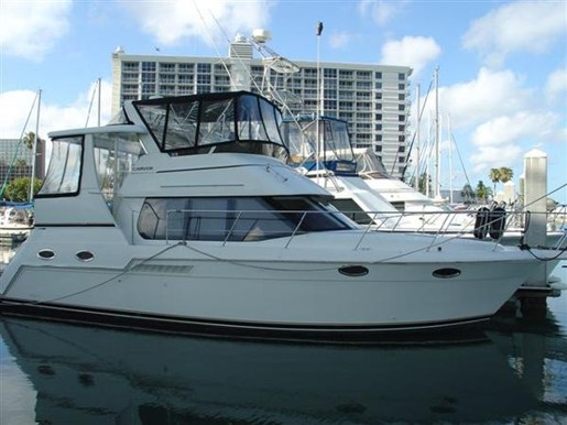 Used motor boats sale florida for Used motor yachts for sale in florida