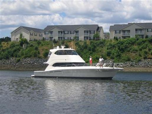 2008 Riviera 51 Enclosed Bridge