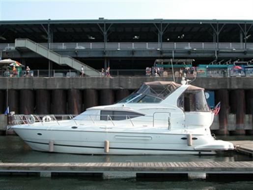 2001 Cruisers Yachts Inc. 4450 Express Motor Yacht