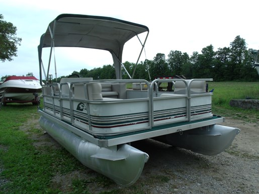 Pontoon boat dealers in northern wisconsin state