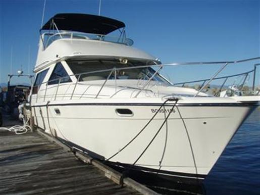 1955 Boat for Sale http://www.boatdealers.ca/usedboats/powerboats/cruisers/bayliner/3988/40157/bayliner-3988-used-boat-for-sale.aspx
