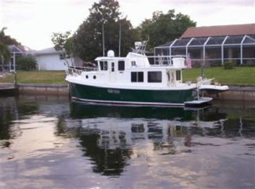 Mini Tug Boats for Sale http://www.boatdealers.ca/usedboats/powerboats/motoryachts/americantug/pilothousetrawler/47902/americantug-pilothousetrawler-used-boat-for-sale.aspx