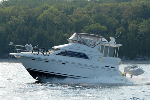 2000 Cruisers Yachts 3750
