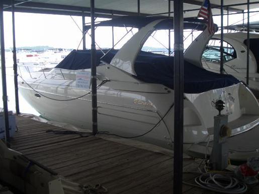 1999 Cruisers Yachts 3575