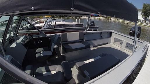 Boat Dealers Alberta >> 2016 Smokercraft Phantom 222 OS Aluminum Fishing Boat Review - BoatDealers.ca