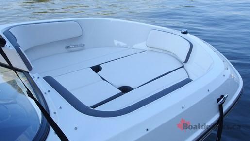 Bayliner VR5 OB Bow