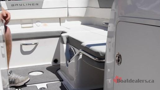 Bayliner VR5 OB Lounge