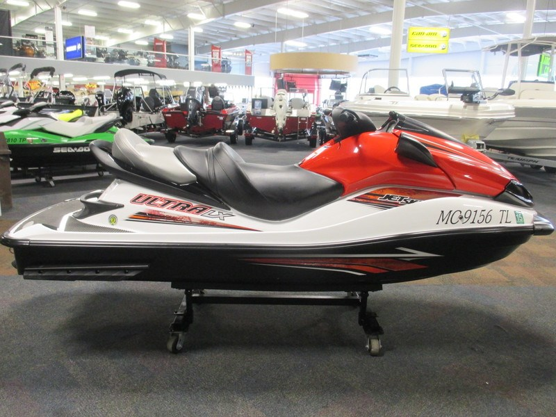 kawasaki jet ski ultra lx 2012 used boat for sale in kalamazoo michigan. Black Bedroom Furniture Sets. Home Design Ideas