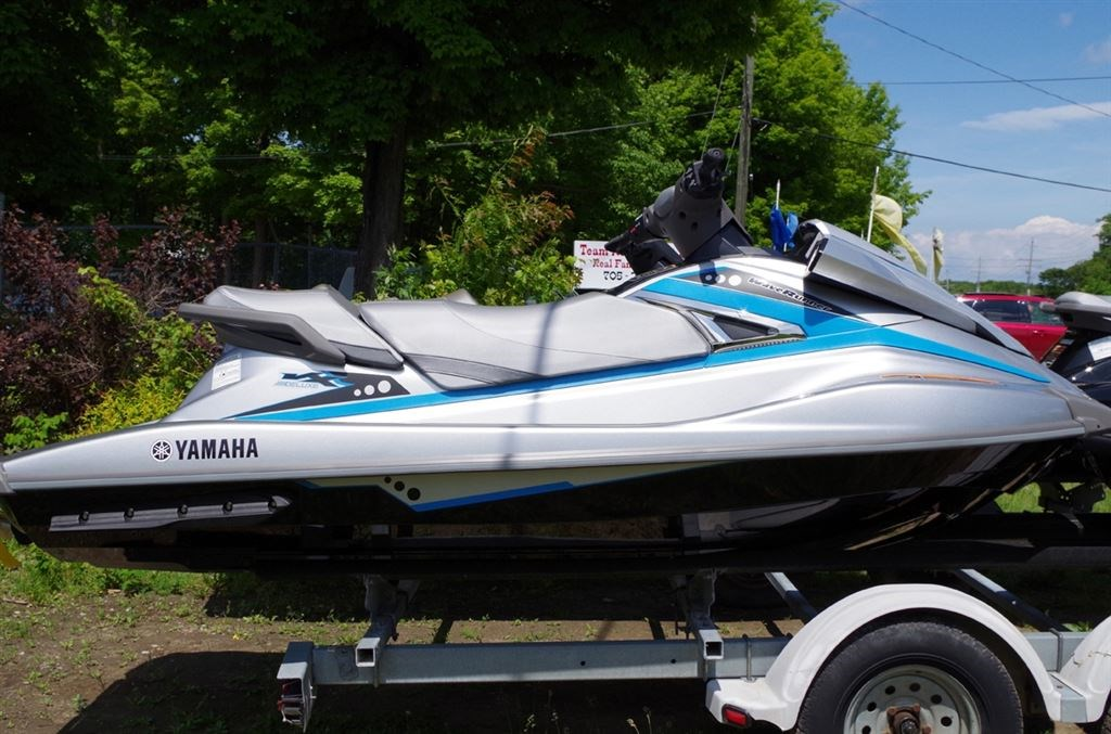 2015 yamaha vx deluxe waverunner autos post for Yamaha wave runner price