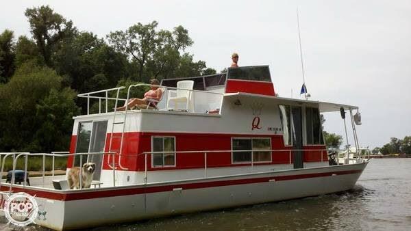 river queen 1973 used boat for sale in sarasota florida. Black Bedroom Furniture Sets. Home Design Ideas