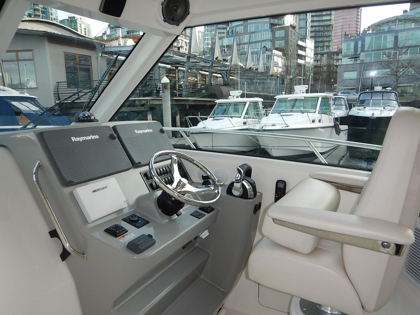 boats sale boston whaler conquest pilothouse vancouver british columbia