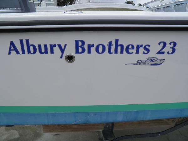 2014 Albury Brothers 23 Photo 15 of 16