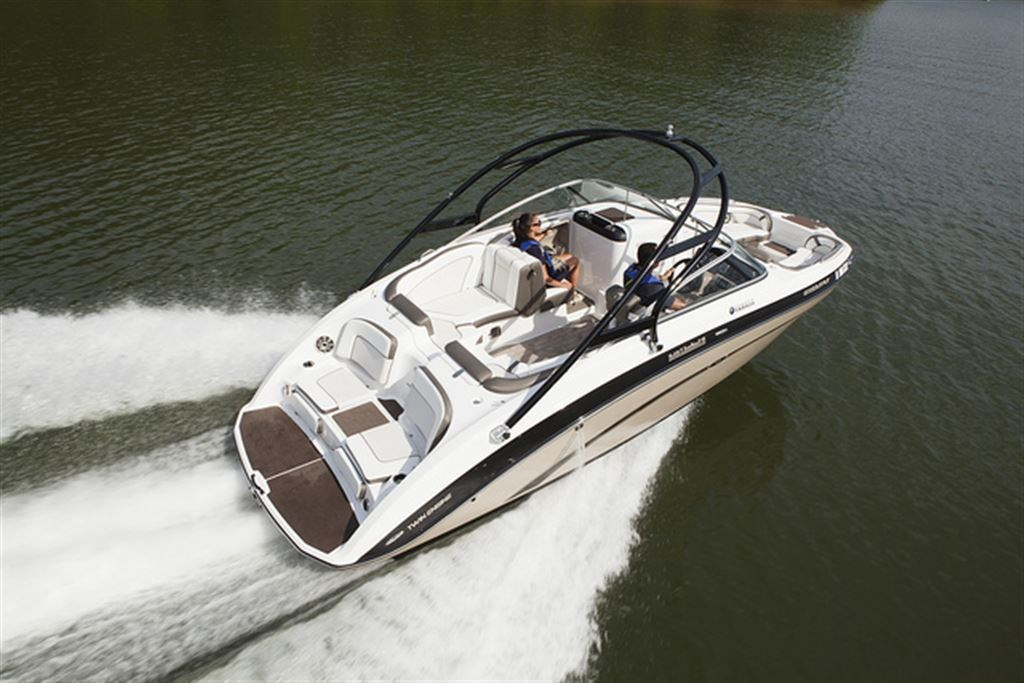 Yamaha 242 limited s 2013 used boat for sale in laval for Yamaha 242 for sale