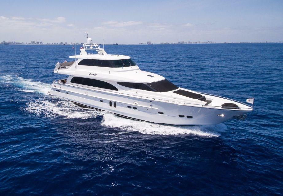 Horizon skylounge motor yacht 2005 used boat for sale in for Used motor yachts for sale in florida