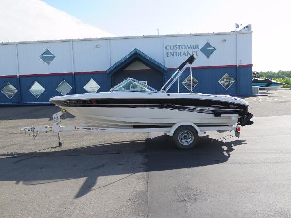 2005 sea ray 185 sport boat for sale 18 foot 2005 sea for Boat motors for sale mn
