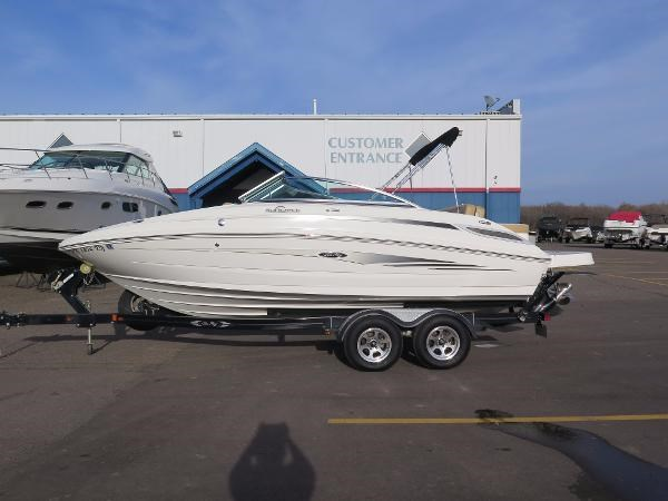 2011 sea ray 220 sundeck boat for sale 22 foot 2011 sea for Boat motors for sale mn