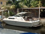 Sea Ray SRV 300 Express Cruiser 1980