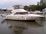 Cruisers Yachts 3580 Sedan Flybridge Boat for Sale