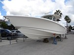 Boston Whaler 37 OUTRAGE 2013
