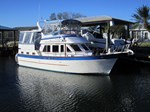 MARINE TRADER Sundeck Boat for Sale