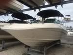 Sea Ray 220 Sundeck Outboard 2015