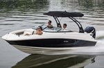 Sea Ray 220 Sundeck Outboard 2015