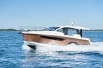 Sealine/Global Yachts C-330 2016