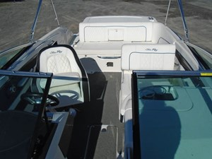 2015 Sea Ray 240 Sundeck Photo 8 of 19