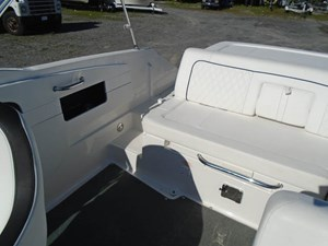 2015 Sea Ray 240 Sundeck Photo 13 of 19